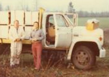 Dick Turanksi Working Hives in the late 1970's