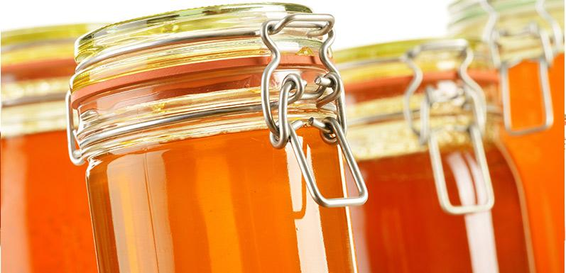 3 Surprising Ways To Use Honey In The Kitchen That'll Have You Buzzing